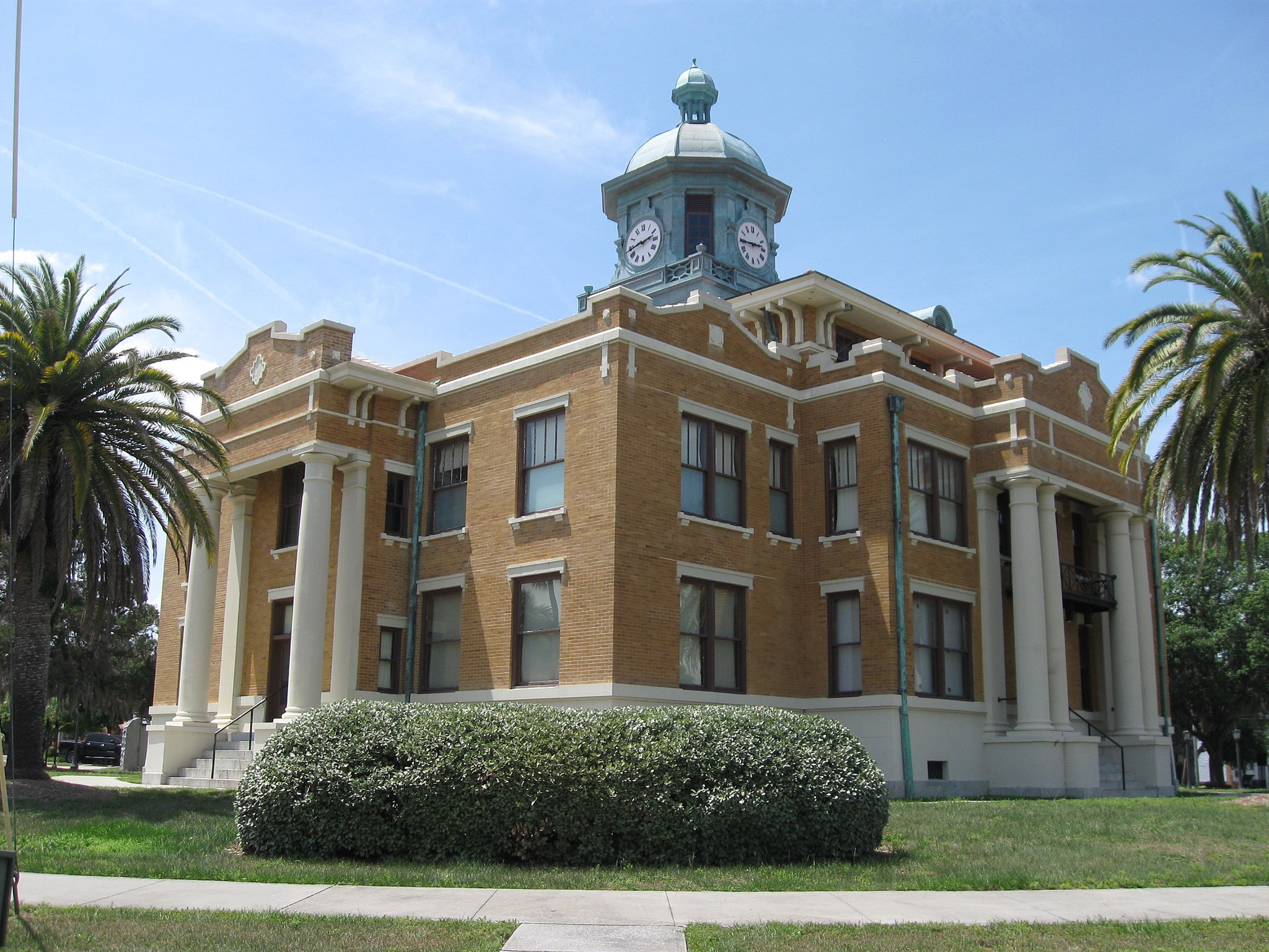 Inverness, FL, Courthouse, Citrus County, Southeast Side, 05-15-2010 (7)