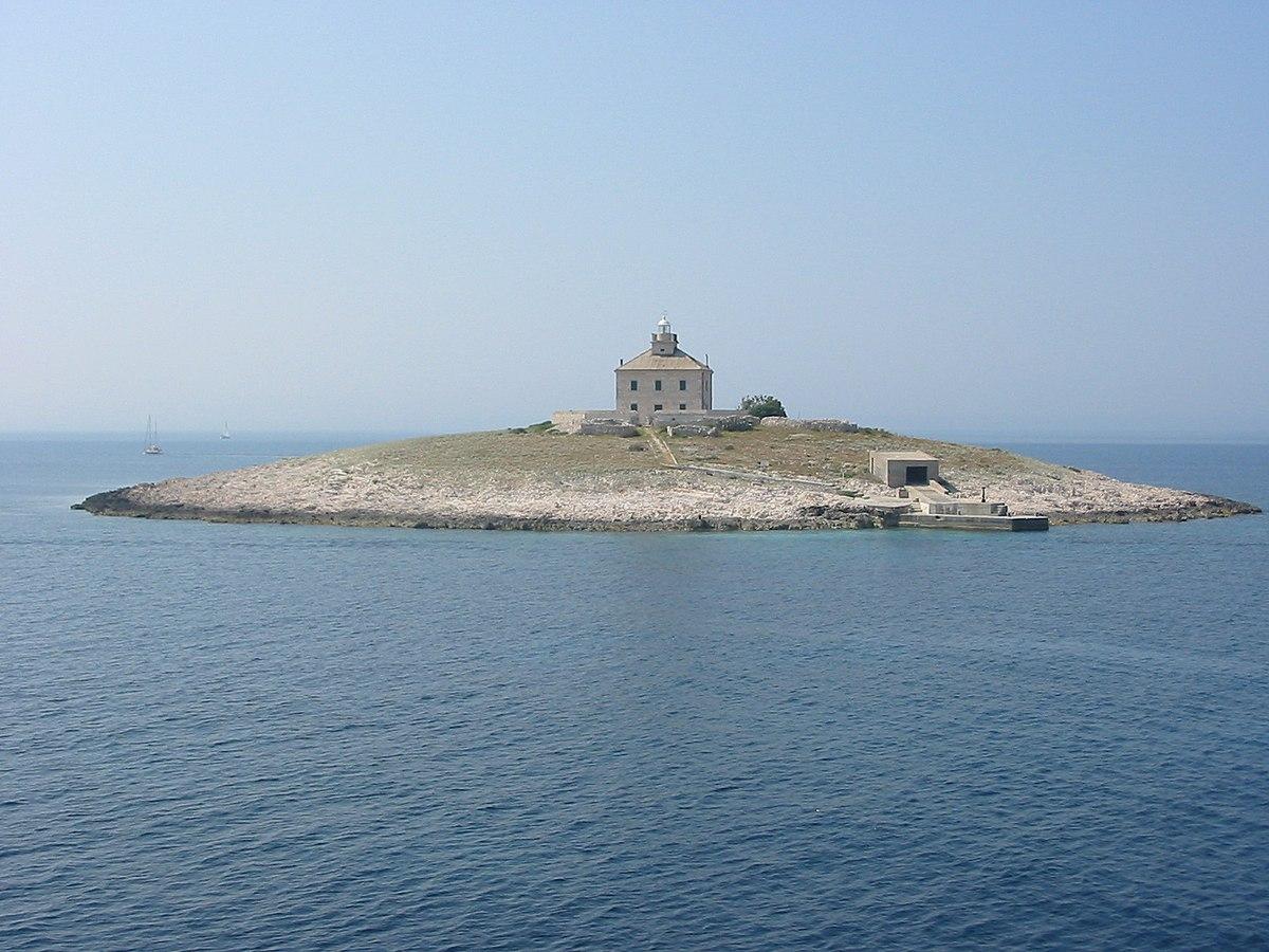 Island - Simple English Wikipedia, the free encyclopedia
