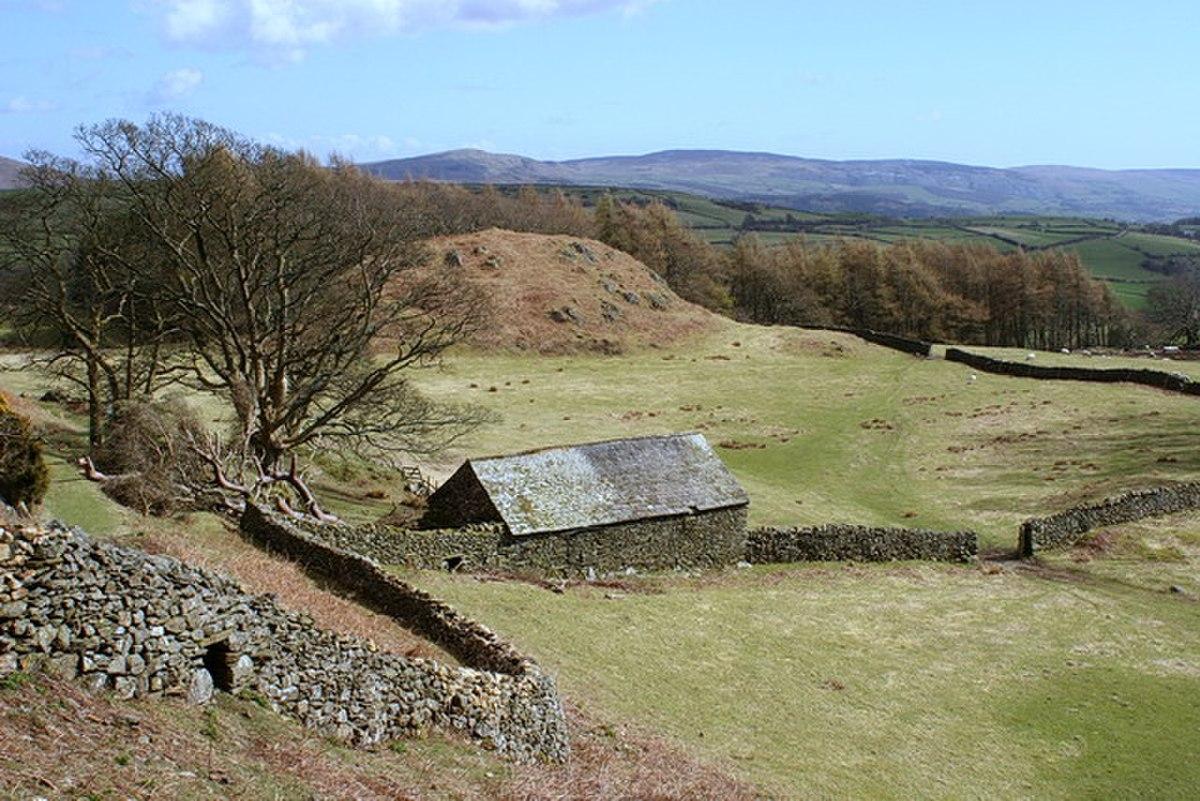 Isolated Barn Below Hovel Knott - geograph.org.uk - 1735792.jpg