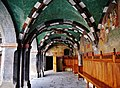 Issogne Castello d'Issogne Innenhof Fresken 08.jpg