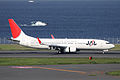 JAL B737-800(JA302J) (3817128761).jpg