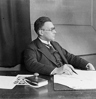 Jan de Vries (philologist) Dutch philologist