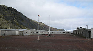 Jan Mayen - Olonkinbyen in August