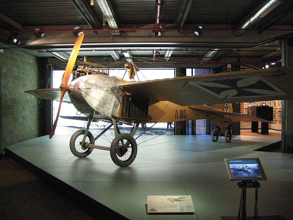 Avion monoplan Rumpler Taube (1914) - Photo d'Aconcagua.
