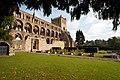 Jedburgh Abbey (9486890082).jpg