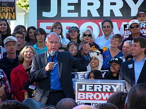 English: Governor Jerry Brown at a rally in Sa...