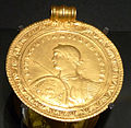 KHM Wien 32.480 - Constantine I medal, 330 AD.jpg