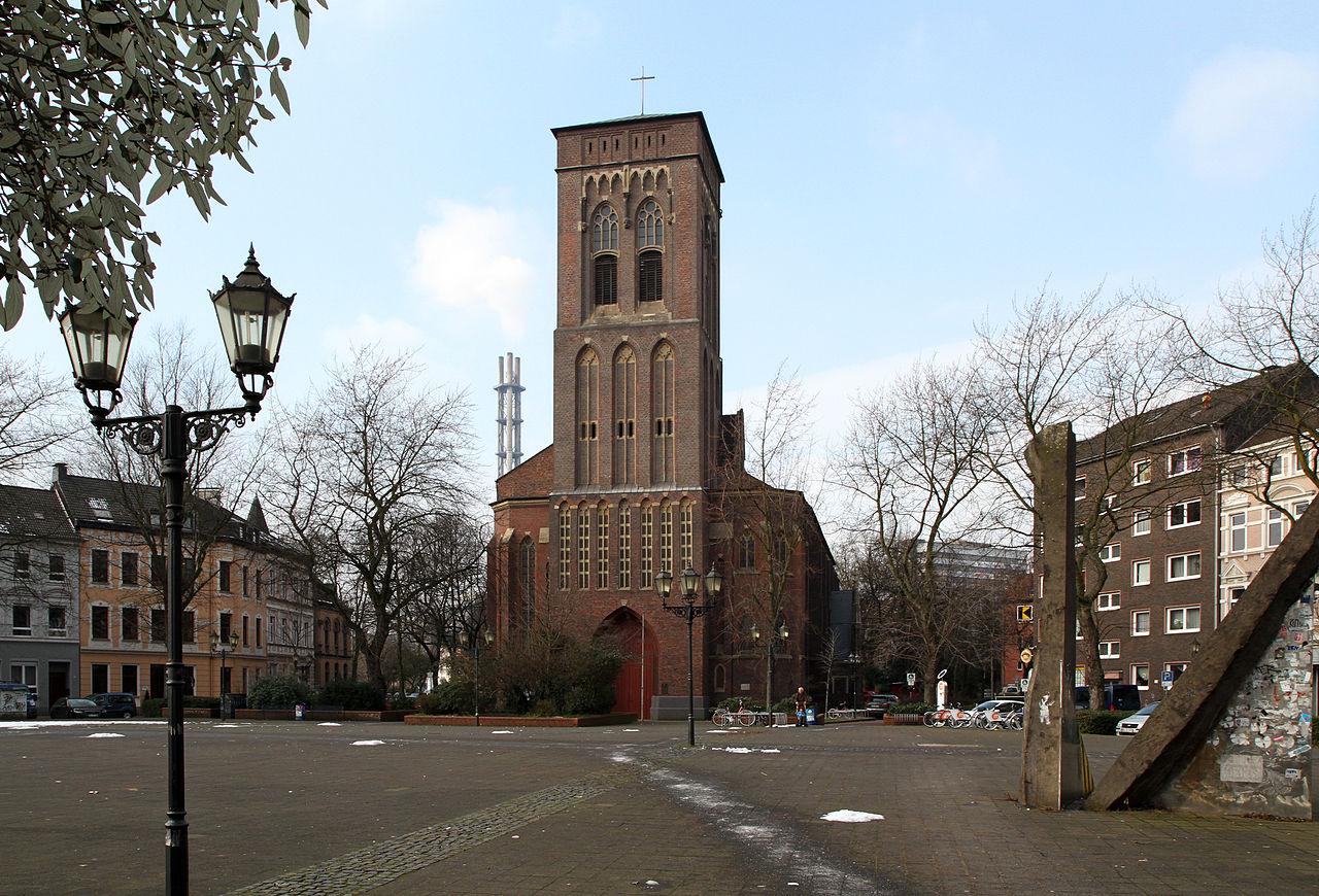 File:Katholische Pfarrkirche St. Joseph, Duisburg.jpg