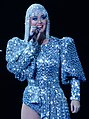 Katy Perry at Madison Square Garden (37436531092) (cropped 2).jpg