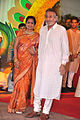 Kavita Khanna, Vinod Khanna at Esha Deol's wedding at ISCKON temple 11.jpg