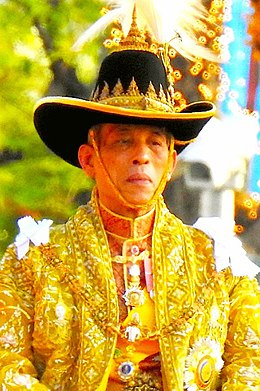 King Rama X on the royal palaquin, 5 May 2019 (2).jpg