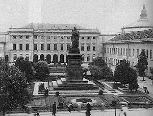 Ivan Paskevich - Viceregal Palace, Warsaw, with statue of Ivan Paskevich, before 1900