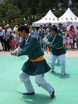 Taekkyeon - Taekkyeon combat held for Hi! Seoul Festival on April 28, 2007