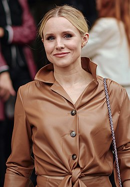 Kristen Bell Paris Fashion Week Spring Summer 2020 (cropped).jpg