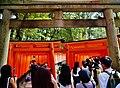 Kyoto Schrein Fushimi-Inari-taisha Torii 07.jpg