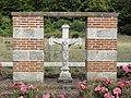 La Folletière (Seine-Mar.) croix, souvenir église disparue (01).jpg