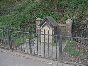 English: Lady Wulfruna's Well This memorial da...