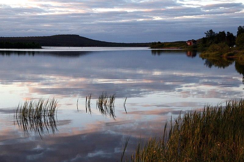 File:Lake Inari - panoramio (3).jpg