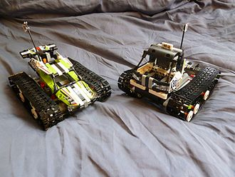 Lego Technic - The RC Tracked Racer and the RC Off-Road Truck, two models built from one same box.