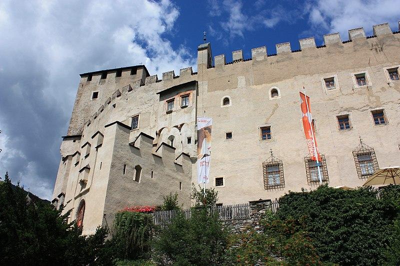 File:Lienz - Schloss Bruck2.JPG