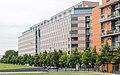 Linkstr. 10-12, Berlin. 1997 errichtete Gebäude des Architekten Arata Isozaki für die Berliner Volksbank.jpg