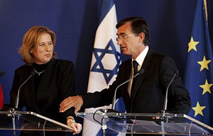 Tzipi Livni - Livni and French FM Douste-Blazy