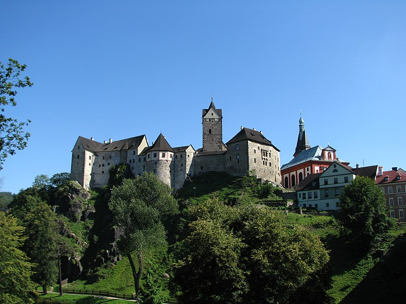 File:Loket Castle.JPG