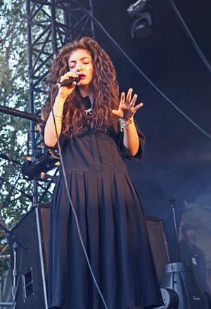 Royals (song) - Lorde performing at the Laneway Festival in Sydney, 2014