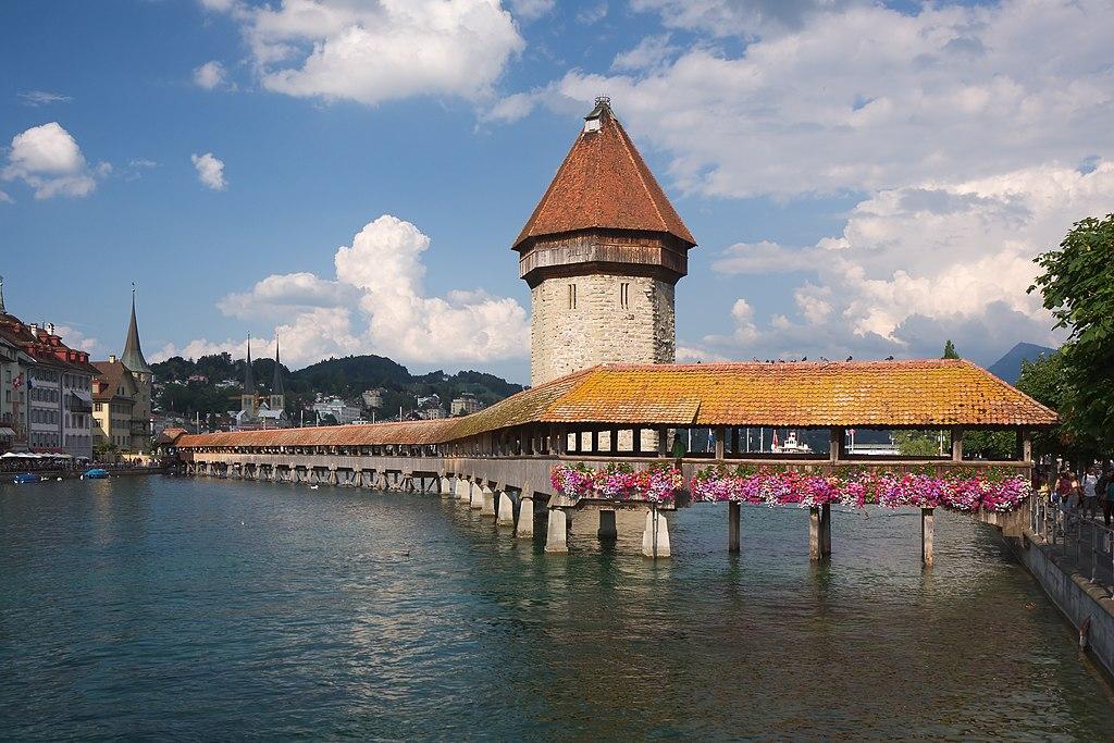 Luzern Kapellbruecke.jpg