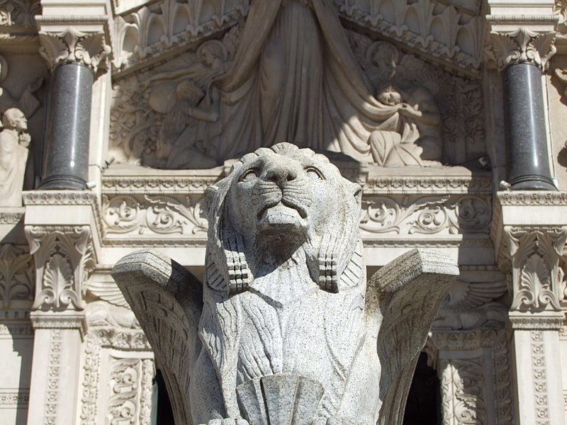 File:Lyon, Notre-Dame de Fourviere - panoramio (4).jpg