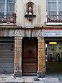Lyon 5e - Rue Mourguet, porte et Vierge au numéro 8.jpg