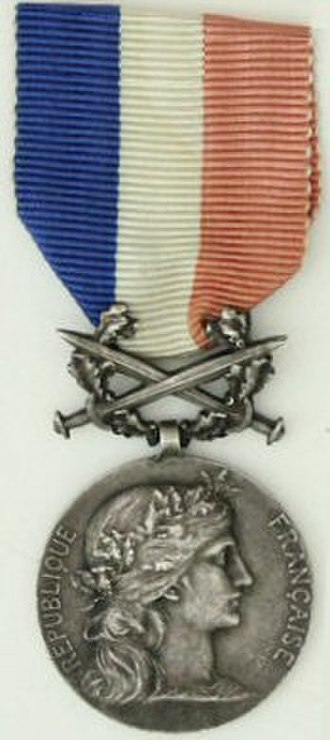 Arley Munson Hare - French Honour medal of Foreign Affairs for acts of courage et devotion (1917)