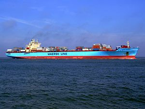 Maersk Greenock p9 approaching Port of Rotterdam, Holland 08-Apr-2007.jpg