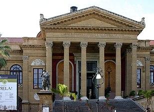 Main facade - Teatro Massimo - Palermo - Italy 2015.JPG