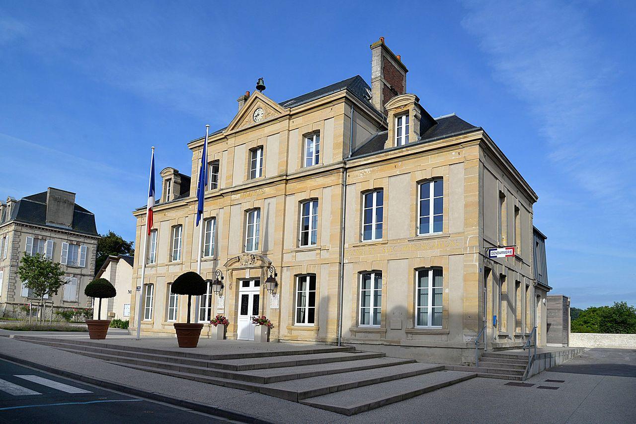 Mairie d'Arromanches-les-Bains.jpg