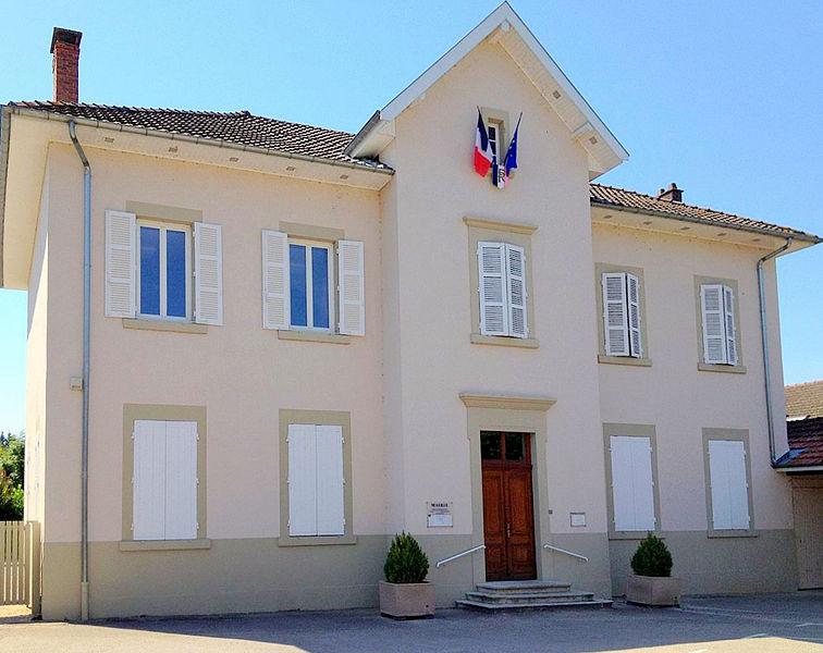 Mairie de Saint-Jean-de-Niost.