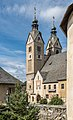 Maria Saal Pfarr-und Wallfahrtskirche Mariae Himmelfahrt SO-Ansicht 19092016 4379.jpg