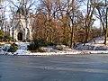 Mauzoleum rodiny Juliusa Andrassyho v zime.jpg