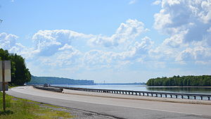 Meeting of the Great Rivers Scenic Route - Illinois Route 100 along the Mississippi River