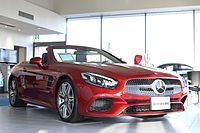 Mercedes-Benz SL550 (2016) by Japan specification (Roof Open).jpg