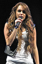 Miley Cyrus - Wonder World Tour 5 cropped