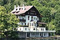 Millstättersee - Südufer - Schlossvilla.JPG