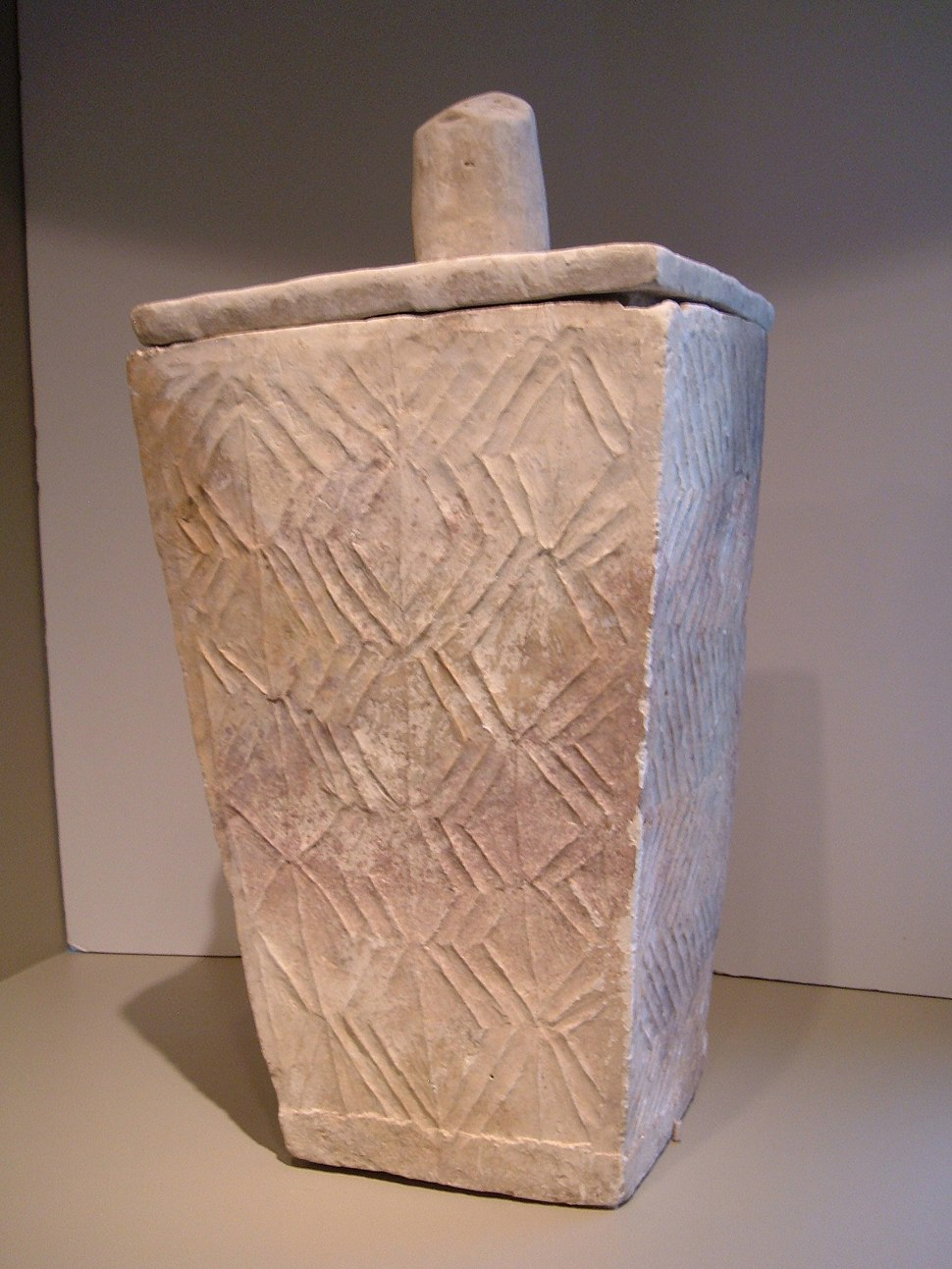 Mindanao burial urn 2 SF Asian Art Museum