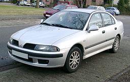 Mitsubishi Carisma front 20071205