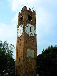 La torre civica sul Belvedere