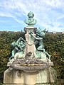 Monument de A Hardy au Potager du Roi.jpg