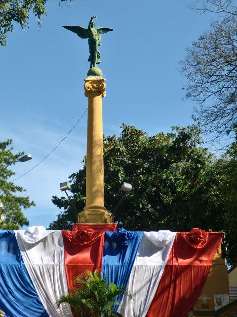 Monumento a los Comuneros y Escalinata de Antequera y Castro, en Asunción