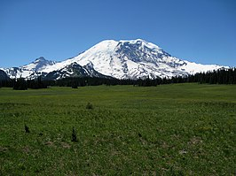 Mount Rainier from Grand Park.jpg