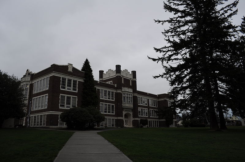 File:Mount Vernon (WA) High School - Old Main 01.jpg