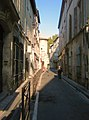 Narrow Street in Avignon - panoramio.jpg